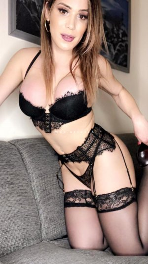 Rivka escorte girl massage