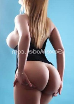 Carola escort girl massage tescort